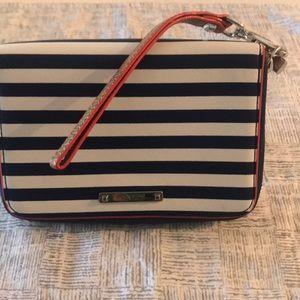 Wristlet navy blue and white stripe.
